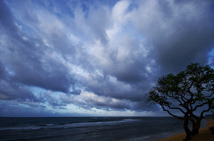 Hawaii - An approaching storm!