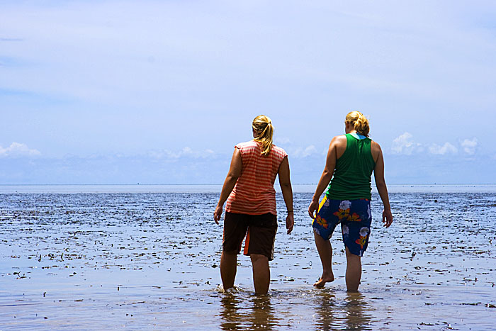 Suzi and Rachel in Micronesia